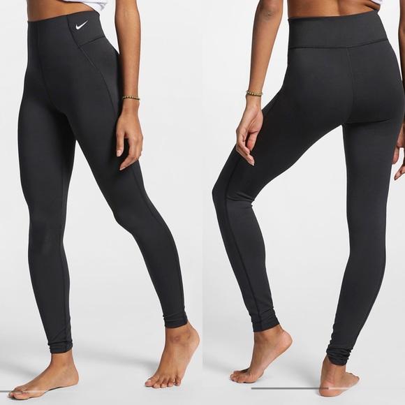 Nike Pants - Nike Pro💕Seamless Black Yoga High Rise Leggings
